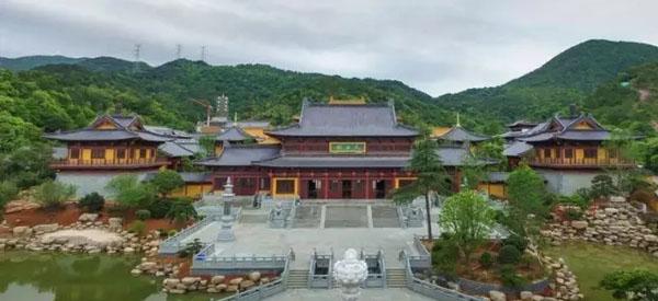 越烽集团承建的仿古建筑-金华智者寺航拍外景
